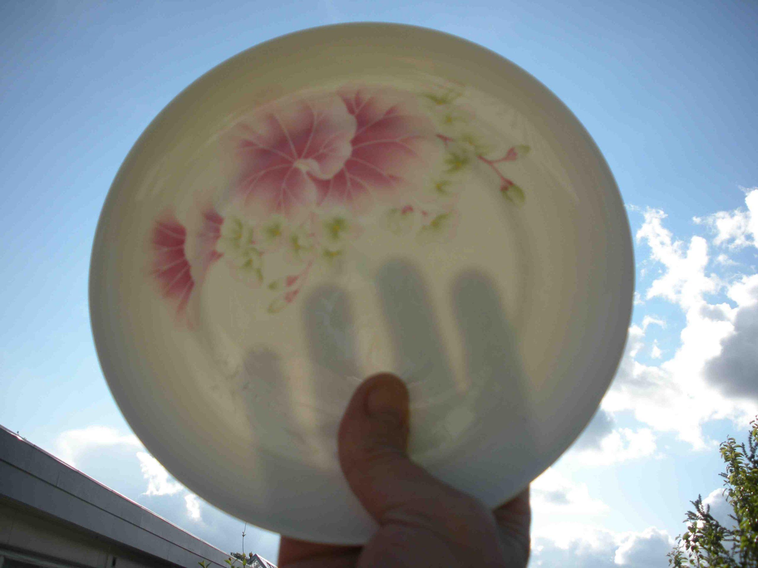 Qui a inventé la porcelaine en France ?